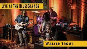 <b>Walter Trout</b> - Blues Garage - 25.10.2017 - YouTube