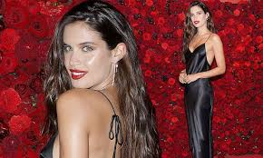 Sara Sampaio launches <b>Bombshell Intense</b> at NYFW for <b>Victoria's</b> ...