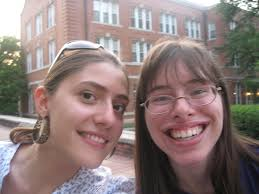 Study abroad in the USA Agnes Scott College. Me (on the left) and an American friend! - usa_agnesscott_laurafriend