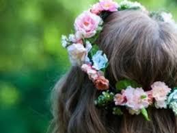 Resultado de imagem para imagem de mulheres com flores