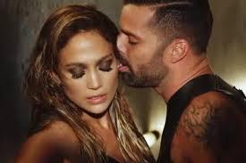 Ricky Martin lecca Jennifer Lopez - martinlopezadrenalinahot-638x425