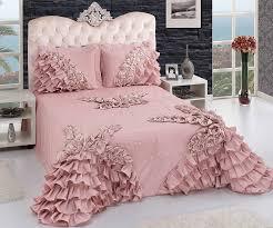 Seçeceğiniz Yatak Örtüsü İle Yatağınız Bir Tablo Gibi Görünebilir