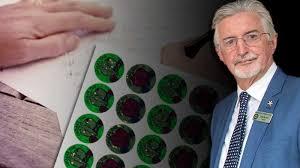 Former Perth student returns stolen <b>stickers</b> to primary <b>school</b> ... 28 ...