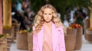 <b>Oscar de la</b> Renta Spring 2020 Ready-to-Wear Collection - Vogue