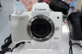 <b>Canon EOS M50</b> — Википедия