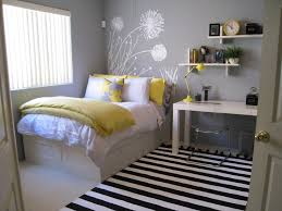 decorate small bedroom room