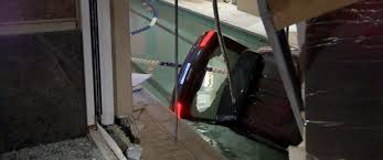 valet crashes jeep into pool police say abc news photo a valet for regatta riverview residences crashed a jeep into the buildings indoor pool