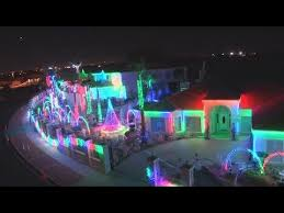California Resident Puts On <b>Extravagant</b> Christmas <b>Lights</b> Display ...