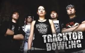 <b>Tracktor Bowling</b> lyrics