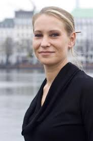 <b>...</b> holt <b>Cindy Richter</b> (Foto), 30, als Head of Marketing and Sales an Bord. - Richter_Cindy