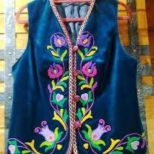 Татарский женский жилет из бархата с яркой вышивкой ...