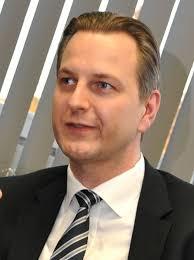 """Stephan Lührs, Finanzdirektor Armstrong Europa Bodenbeläge: """"Wir konzentrieren uns auf unsere Stärken: Linoleum, homogene PVC-Beläge, Designbeläge, ... - 18501-Restr-2"""
