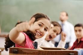 Resultado de imagem para alegria crianças estudando