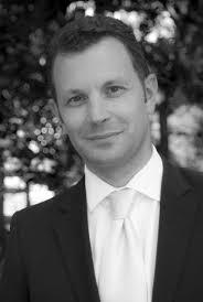 Il succèdera à Emmanuel Caux qui rejoint le Groupe SOFITEL. Pierre-Louis Renou, diplômé en 1992 de Glion Institut de Hautes Etudes a une longue expérience ... - PierreLouisRENOU1