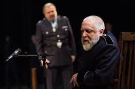 essays and diversions the madness of king lear simon russell beale as lear about to banish kent