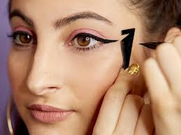 L'Oréal Paris Flash <b>Cat Eyeliner</b> Review | Makeup.com