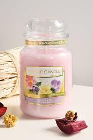 <b>Ароматическая свеча цветочные</b> конфеты YANKEE CANDLE ...