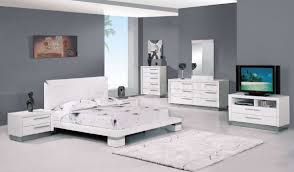 charming bedroom furniture set and white fur rug with modern table lamp charming bedroom furniture
