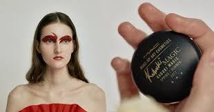 Вещь недели: <b>блеск для губ Crystal</b> Glaze Kabuki Magic, MAC