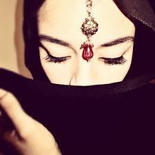 Tesettürlü Bayan Avatarları images?q=tbn:ANd9GcR