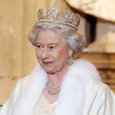 Queen Elizabeth II Nearly Shot During Early Morning Walk | E! News