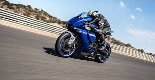 2020 <b>Yamaha YZF</b>-<b>R1</b> And YZF-R1M First Ride Review | Cycle World