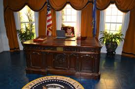 oval office desks and look who39s very comfortable giving orders behind that desk carpet oval office inspirational