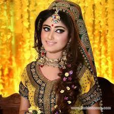 bridal makeup tips for mehndi occasion 4