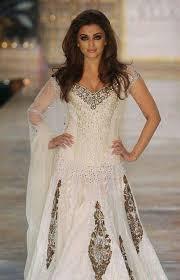 ملابس هندية images?q=tbn:ANd9GcR