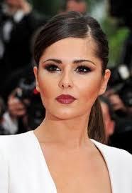 Resultado de imagen para mujer de pelo negro maquillaje con bronzer