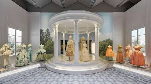 How the Luxurious Silhouettes of <b>Christian Dior's New Look</b> Shook ...