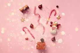 Открытка со снегом, огни боке для новогодней вечеринки ...