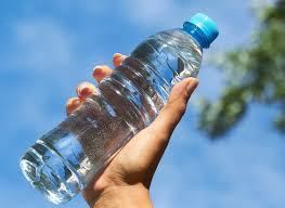 Resultado de imagem para beber água+imagem