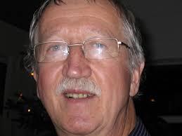Ole Nielsen er 66 år og pensjonert meteorolog. Han har bodd 15 år i Bodø og 10 år i Bærum, er gift og har 3 barn og 6 barnebarn. Nå bor han i Oslo. - ole-nielsen