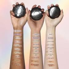 Shimmering Skin Perfector® Pressed Highlighter - <b>BECCA Cosmetics</b>