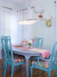 tags chic dining room table