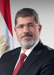 تمثال لمرسى الشرقيه تمجيدا لانجازاته