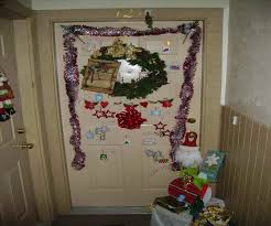 christmas decorations ideas office christmas doors decorated for christmas best office christmas decorations