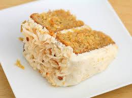 Kwark-slagroomtaart met biscuitdeeg