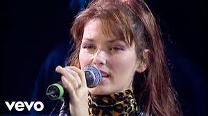 <b>Shania Twain</b> - You're Still The One (Live) - YouTube