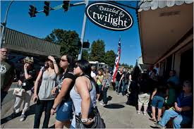 Fans of '<b>Twilight</b>' Book <b>Series</b> Put Forks, Wash., in the Spotlight - The ...