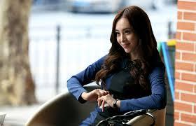 电视剧《格子间女人》Jessica剧照 刘浠希生活写真照4