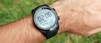 Mobvoi <b>TicWatch Pro 4G LTE</b> review: Connectivity, performance ...