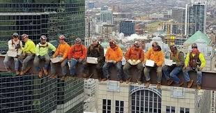 Chicago iron workers recreate '<b>Lunch atop a Skyscraper</b> ...