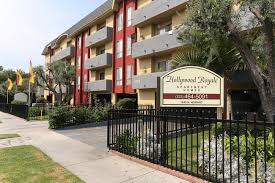 <b>Hollywood Royale</b> Apartments Off-Campus Housing, Los Angeles ...