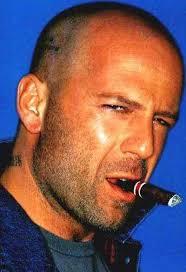 Sexy vind ik bijvoorbeeld Bruce Willis in zijn ruige jaren http://4.bp.blogspot.com/_gx7OZdt7Uhs/TPEyQW1vt5I/ Maar ook - Bruce%2BWillis%2Bimage