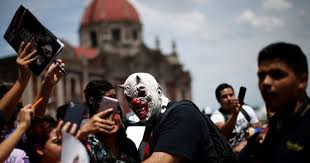 <b>Mexican masked</b> wrestlers out of business or forced to underground ...