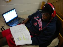 my college dorm life a photo essay the art of our civilization typical college student studying in his room