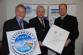 Landrat Martin Sailer (r.) und KUMAS-Geschäftsführer Egon Beckord ... - 331289_web
