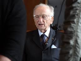 file benjamin ferencz chief prosecutor in einsatzgruppen file benjamin ferencz chief prosecutor in 1947 einsatzgruppen trial in courtroom 600 where